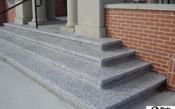 Schody z granitu G