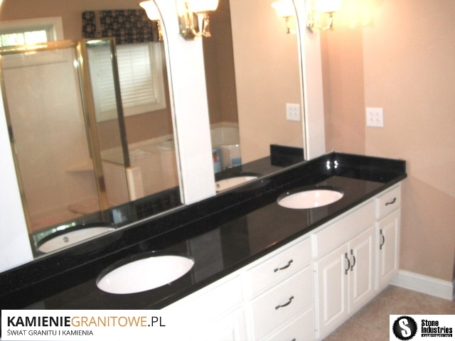Blat do łazienki z czarnego granitu