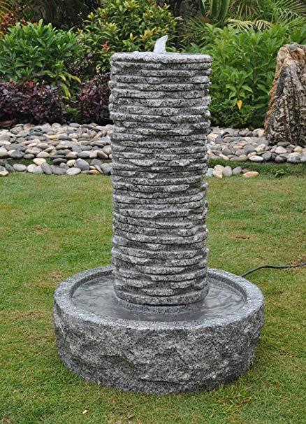 Fontanna z kamienia