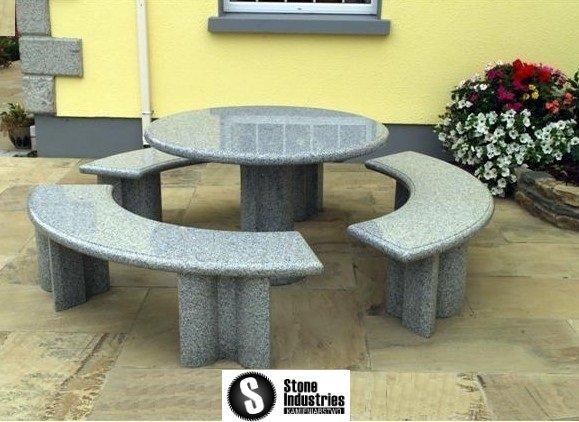 Stół granitowy okrągły
