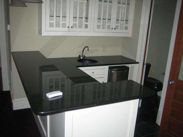 absolute-black-granite-countertops